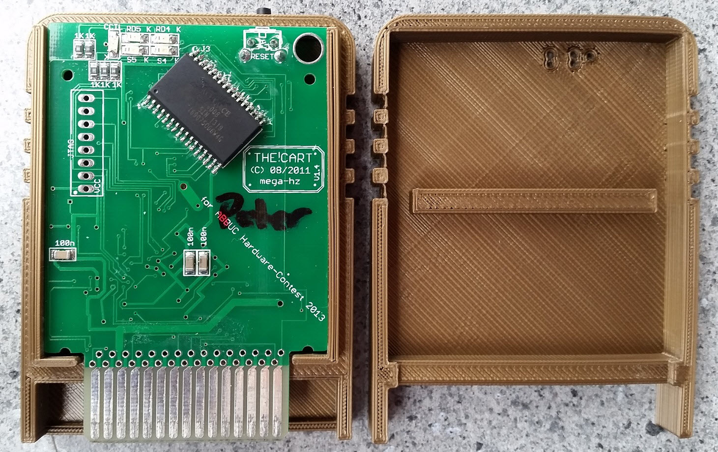 The!Cart Shell, opened, PCB fitted